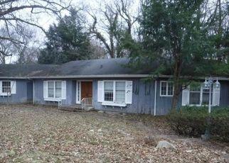 Foreclosed Home in SHEFFIELD DR, Kalamazoo, MI - 49008