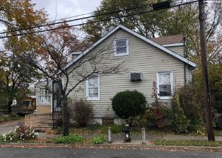 Foreclosed Home en 128TH DR, Springfield Gardens, NY - 11413