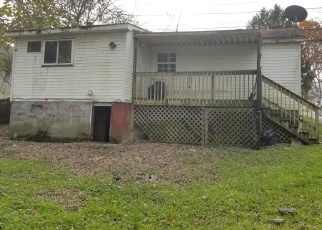 Foreclosed Home in ROBERTS AVE, Oak Hill, WV - 25901