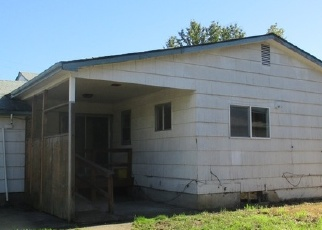 Foreclosed Home in SE 84TH AVE, Portland, OR - 97216