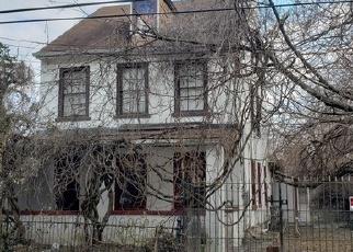 Foreclosed Home en E HAINES ST, Philadelphia, PA - 19144
