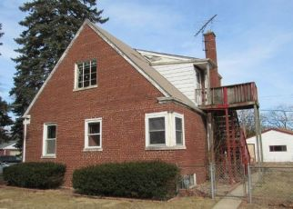 Foreclosed Home en S STEWART AVE, Riverdale, IL - 60827