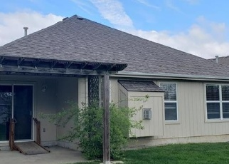 Foreclosed Home en S SHRANK CT, Independence, MO - 64055