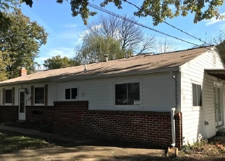 Foreclosed Home en AUTH RD, Suitland, MD - 20746