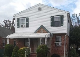 Foreclosed Home en 222ND ST, Cambria Heights, NY - 11411