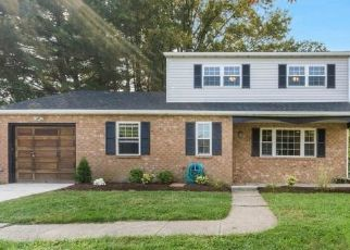 Foreclosed Home en CHERRY TREE RD, Aston, PA - 19014