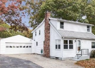 Foreclosed Home in BRUSH NECK AVE, Warwick, RI - 02889