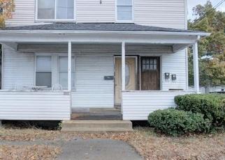 Foreclosed Home in ELMWOOD AVE, Warwick, RI - 02888
