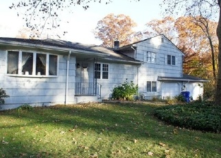 Foreclosed Home in DRIFTWOOD LN, Norwalk, CT - 06851