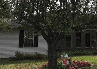 Foreclosed Home in FARMINGDALE DR, La Vergne, TN - 37086