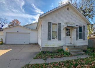 Foreclosed Home in 21ST AVE SW, Cedar Rapids, IA - 52404