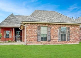 Foreclosed Home in BLUE HERON DR, Lafayette, LA - 70508