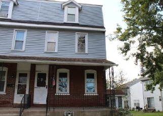 Foreclosed Home en FAIRVIEW RD, Crum Lynne, PA - 19022