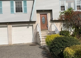 Foreclosed Home in COLONIAL DR, Brick, NJ - 08724