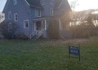 Foreclosed Home en DELTA RIVER DR, Lansing, MI - 48906