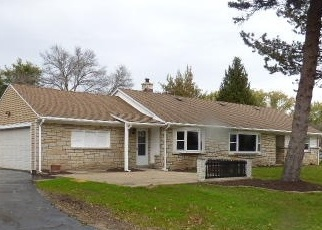 Foreclosed Home en W ABBOTT AVE, Milwaukee, WI - 53221
