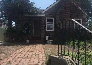 Foreclosed Home en GRASSMERE TER, Far Rockaway, NY - 11691