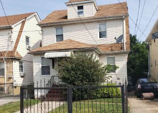 Foreclosed Home en 112TH RD, Saint Albans, NY - 11412