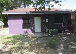 Foreclosed Home en NW 40TH CIRCLE CT, Opa Locka, FL - 33055