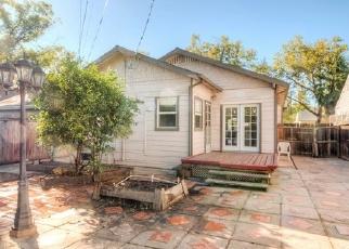 Foreclosed Home en T ST, Sacramento, CA - 95816