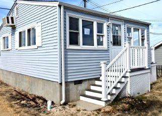 Foreclosed Home in E PENGUIN WAY, Lavallette, NJ - 08735