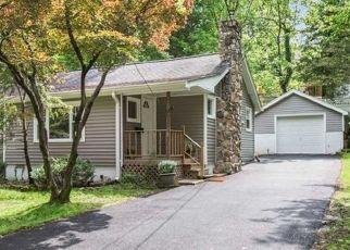 Foreclosed Home in LAUREL DR, Wayne, NJ - 07470