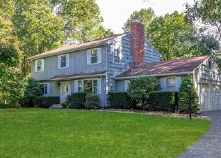 Foreclosed Home in SOREL DR, Shelton, CT - 06484