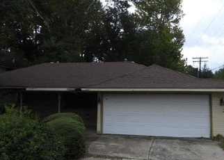 Foreclosed Home in HOOVER AVE, Baton Rouge, LA - 70812