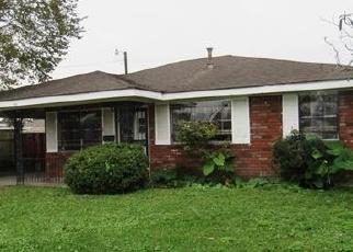 Foreclosed Home in MICHAEL ST, Marrero, LA - 70072