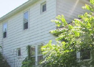 Foreclosed Home en AVENUE D, Wyoming, PA - 18644