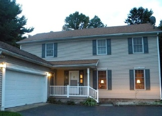 Foreclosed Home en HILLCREST DR, Oswego, NY - 13126