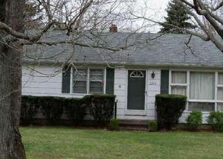 Foreclosed Home en FOXON RD, North Branford, CT - 06471