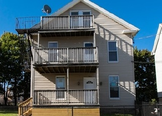 Foreclosed Home in 4TH AVE, Woonsocket, RI - 02895