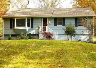 Foreclosed Home en HALEY RD, Ledyard, CT - 06339