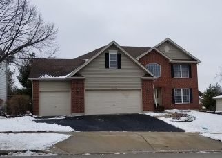 Foreclosed Home en E THORNWOOD DR, South Elgin, IL - 60177