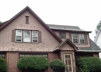 Foreclosed Home in RIVER DR, Trenton, NJ - 08618