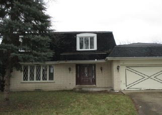 Foreclosed Home in FINCH CT, Naperville, IL - 60565