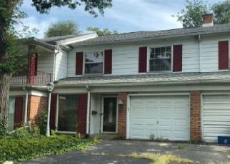 Foreclosed Home in PENCOMBE PL, Flint, MI - 48503