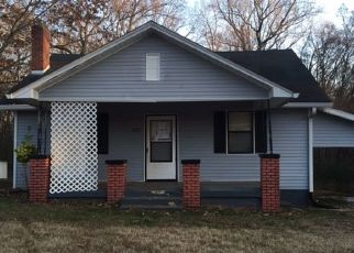 Foreclosed Home in CHICKASAW RD, Paris, TN - 38242