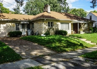 Foreclosed Home en W LEON TER, Milwaukee, WI - 53216