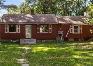 Foreclosed Home en FERNWOOD DR, Cheshire, CT - 06410