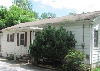 Foreclosed Home in WILLARD AVE, Alton, IL - 62002