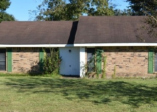 Foreclosed Home in SATURN DR, Lafayette, LA - 70501