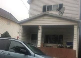 Foreclosed Home en EUCLID AVE, Washington, PA - 15301