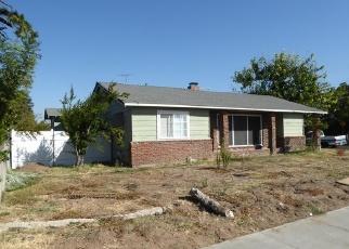 Foreclosed Home en LOMBARDO ST, Manteca, CA - 95336