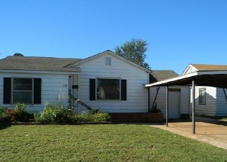 Foreclosed Home in THORNTON LN, Elk City, OK - 73644