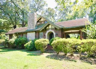 Foreclosed Home in WALNUT GROVE RD, Memphis, TN - 38117