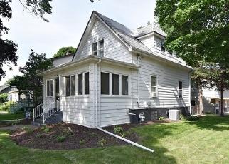 Foreclosed Home en RICHARDS ST, Geneva, IL - 60134