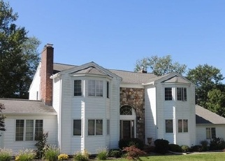 Foreclosed Home in CHRISTOPHER RD, Branford, CT - 06405