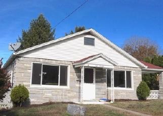 Foreclosed Home en SUMMIT ST, Millersburg, PA - 17061